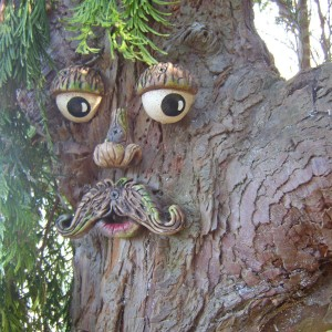Tree Face 4 Garden-shopping